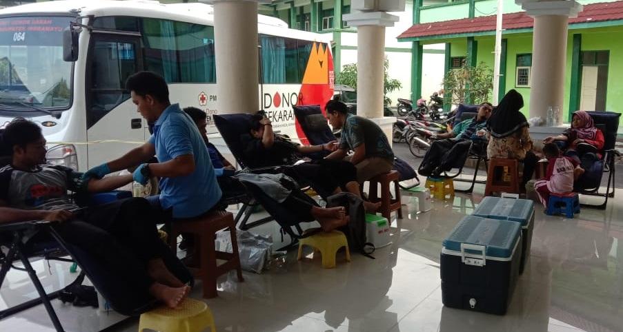 Civitas STIT Al-Amin Indramayu Gelar Aksi Donor Darah